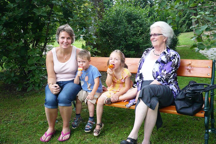 Friolzheim Mutter/Kinder